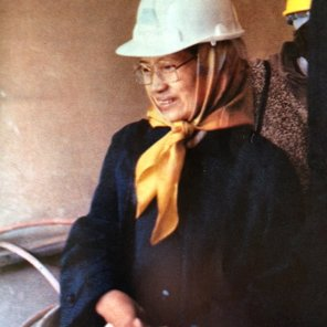 Ibu Rahayu Climbs to the stars via scaffolding